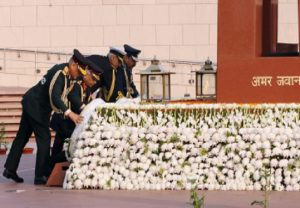 CDS, 3 service chiefs pay tribute at War Memorial (PICs)