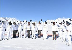 Army chief General MM Naravane visits Siachen glacier, pays tribute at war memorial