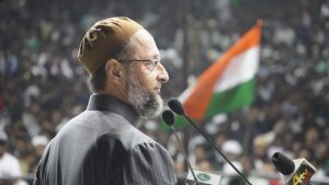 "Owaisi slams Pak PM, says ""Mr Khan should worry about Pak, we are proud Indian Muslims"""