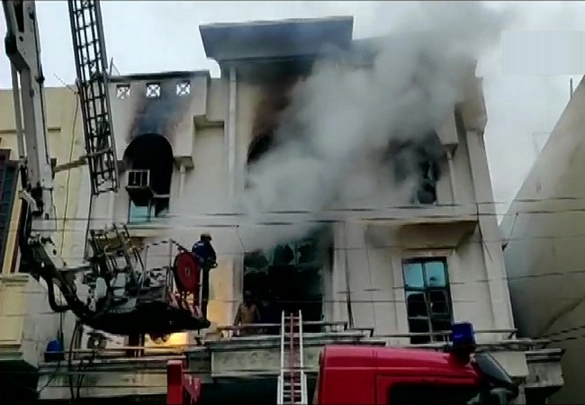 Fire breaks out in Patparganj Industrial Area of East Delhi, 1 dead