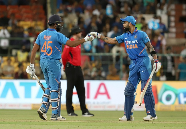 Kohli, Shreyas take India closer after Rohit 119