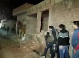 In UP's Farrukhabad, more than 15 children held hostage at a house by gunman