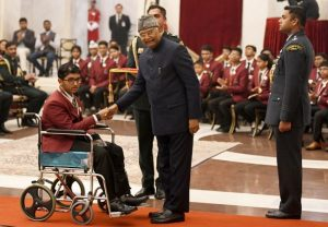 President gives National Bravery Award to 22 children