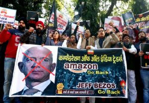 IN PICS: Enraged traders protest Amazon's $1 bn investment plan