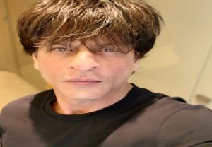 Shah Rukh Khan goes live with '#AskSRK' session on Twitter: Check out his 20 responses