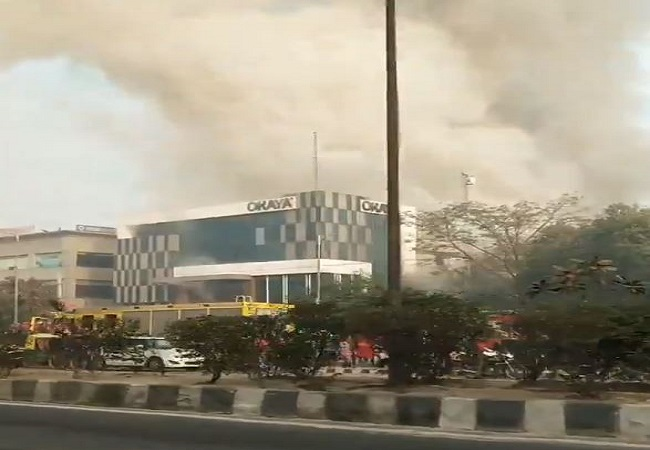 Delhi: Fire breaks out at factory in Peeragarhi, several trapped after building collapses