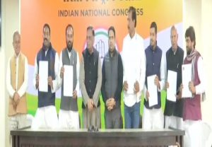 Six Rajasthan BSP MLAs formally join Congress, meet Sonia