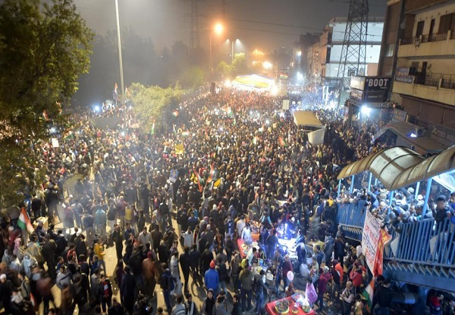 Delhi Police to hold talks with protestors at Shaheen Bagh for clearing road blockade