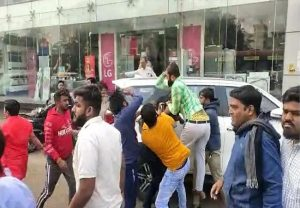 Clash erupts between ABVP, NSUI workers in Ahmedabad, 10 injured