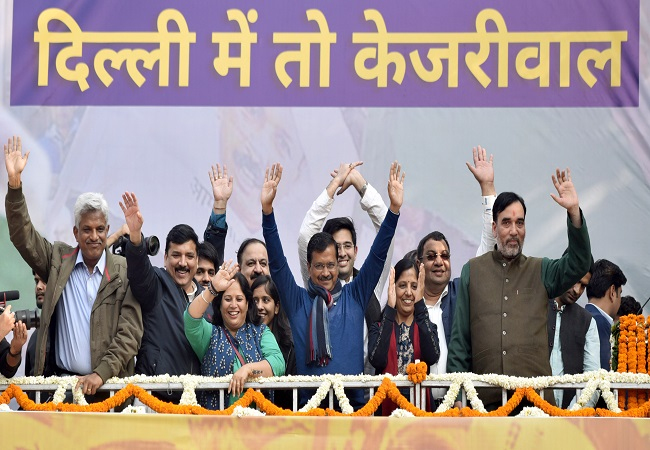 Kejriwal cabinet to have all old faces, portfolios may be shuffled: Sources