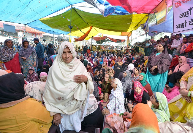 Won't accept mediators suggestion of meeting in groups, asserts protesters at Shaheen Bagh