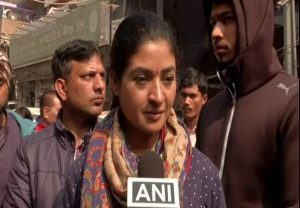 AAP worker abused me, says Alka Lamba after trying to slap him