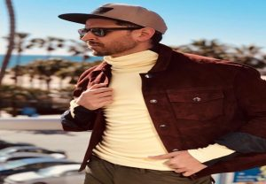 Hrithik Roshan looks super-awesome in his latest vacation pics
