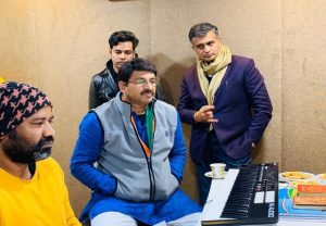 BJP MP Manoj Tiwari recording song for last phase of election campaign