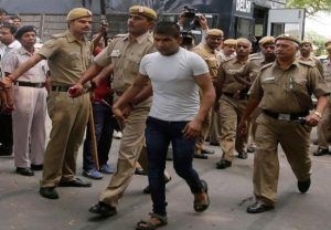 Nirbhaya convict Vinay Sharma attempts to hurt himself, receives minor injuries
