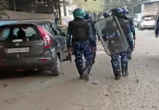 Clash in Northeast Delhi: After 5 killed, fresh stone pelting reported in Brahampuri & Maujpur