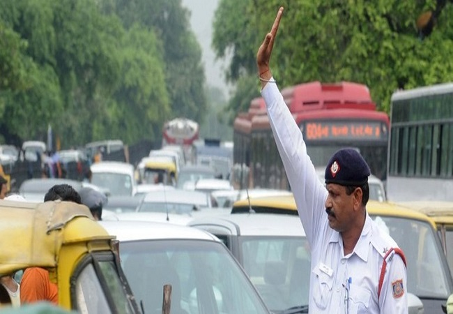 Traffic restrictions in place ahead of Kejriwal's oath ceremony