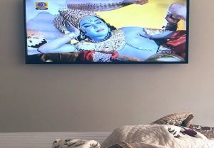 Kajal Aggarwal enjoys re-telecast of 'Ramayana' on DD