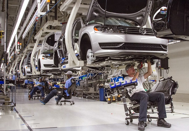 COVID-19: Volkswagen shuts down production at numerous plants