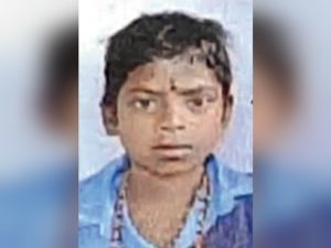 12-year-old dies after walking for more than 100 km from Telangana to Chhattisgarh