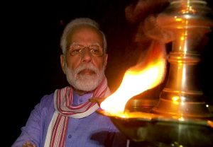 #9Baje9Minute: PM Modi lights lamp, joins country to mark fight against coronavirus