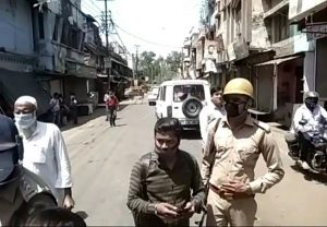Meerut Police attacked while trying to seal locality, Magistrate injured in stone-pelting; 4 including Imam arrested