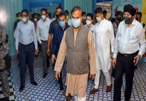 Himanta Biswa Sarma visits Quarantine facility, warns of action against those flouting Covid-19 guidelines