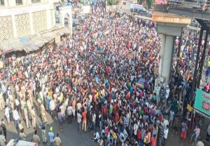 Man arrested for inciting migrant labourers to protest in Mumbai