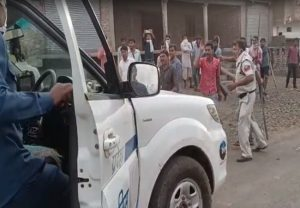 In MP, goons manhandle cops, hold them hostage for 2 hours; shocking pics emerge