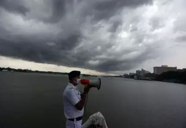 Indian Navy on high alert for relief efforts in wake of Cyclone Amphan
