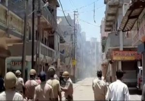 Clash between migrant workers and police in Surat