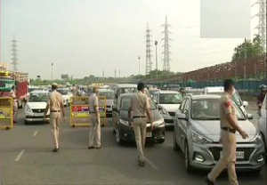 Heavy traffic movement at Delhi-Gurugram border; Police check passes, IDs of commuters
