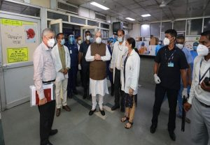 Amit Shah visits LNJP Hospital, holds meeting with officials to review coronavirus preparedness