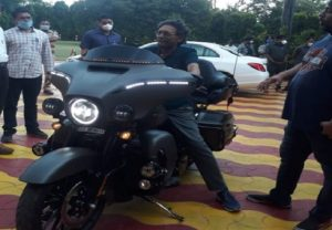 CJI SA Bobde's picture on superbike Harley Davidson lights up Twitter