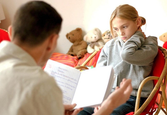 Parents' attempts to control teens may stunt their progress: Study
