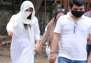 Sushant's rumoured girlfriend visited Cooper hospital (PICs)