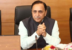 CM Rupani promotes 'Ek Bharat, Shreshth Bharat', interacts with 50 N-E students on a trip to Gujarat