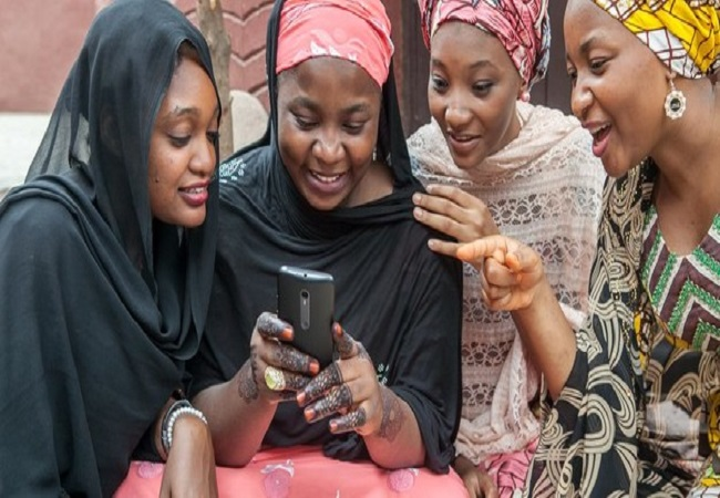 Study explains how smartphones empower women in less developed countries