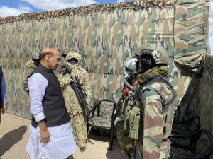 Rajnath Singh with the troops who participated in the para dropping and other military exercise at Stakna
