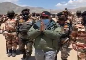 'Vande Mataram, Bharat Mata ki Jai' chants fill the air as PM Modi visits them in Ladakh (VIDEO)