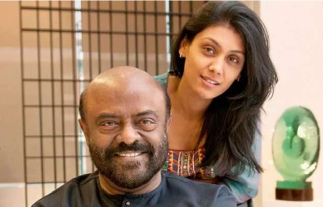 Shiv Nadar with daughter