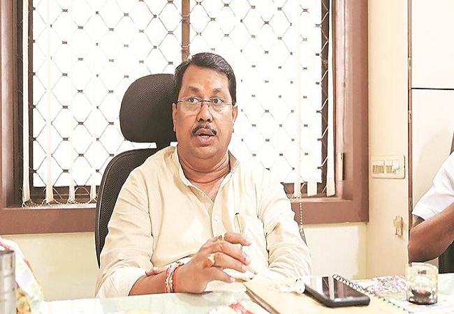 No funds from Centre, Maharashtra will have to take loan to pay salaries of govt employees: Vijay Wadettiwar