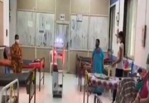 Robotic Trolley 'Gollar' serves medicines, food at Quarantine ward in Mumbai