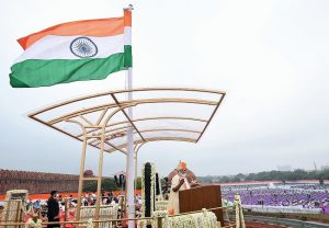 PM Modi hoist the tri color at Red Fort | See Pics