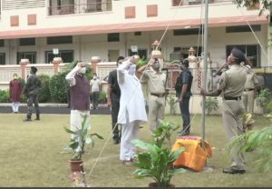 Mohan Bhagwat hoists national flag at RSS headquarters in Nagpur