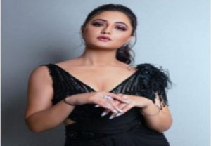 Rashmi Desai trolled by haters on Instagram, actress lashes out