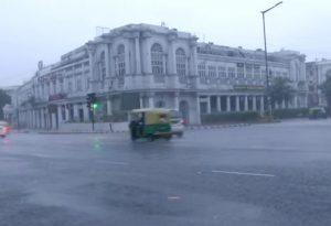 Rain lashes various parts of Delhi; waterlogging reported
