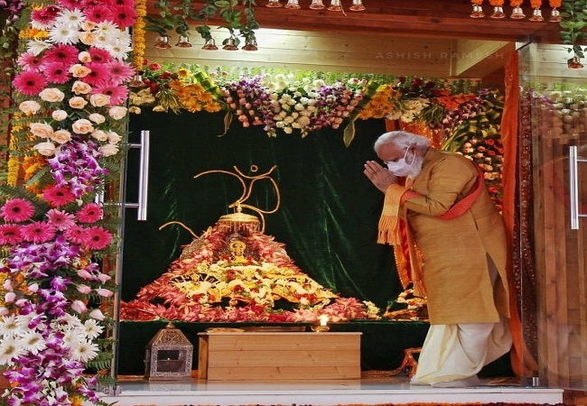 Ram Temple bhoomi pujan: Bollywood celebrities share religious posts