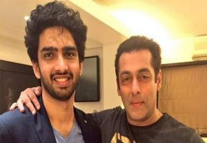Amaal Mallik blasts Salman Khan fans who trolled him, calls them 'Bhaitards'; see his epic replies here