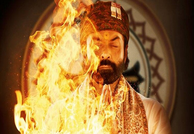 Aashram 2: Bobby Deol thanks fans for giving 'positive response' to his 'negative role'